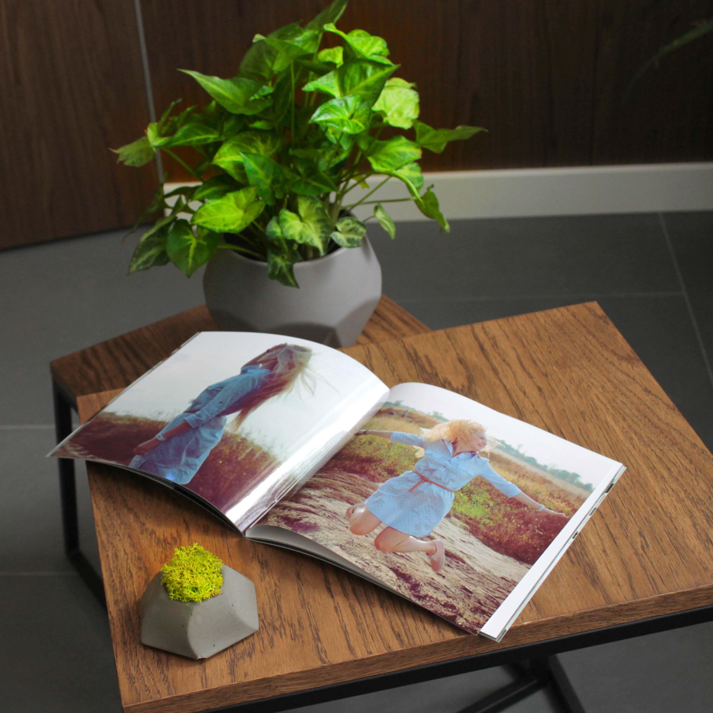 Фотожурнал — книга в мягком переплете, крепление на скобе, печать фотографий фотожурнал.